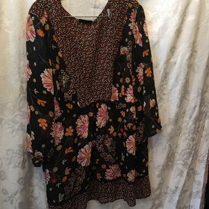 Avenue 30/32 sheer floral and dot blouse